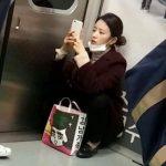 k-popガールズグループの地下鉄での目撃画像まとめ→韓国の反応「無補正の目撃画像で芸能人の容姿レベルがわかる」
