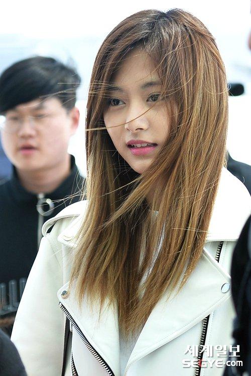 2.韓国人 顔が皆疲れてるように見えるTT