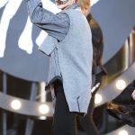 【Stray Kidsフィリックス】眉毛ブラシが衣装にぶら下がったままステージに→韓国の反応「現実に戻される感がすごいwww」