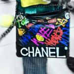 【BIGBANG G-dragon】ジヨン、シャネルバッグをカラフルにペイント→韓国の反応「自分でシャネルって書いたのwww」